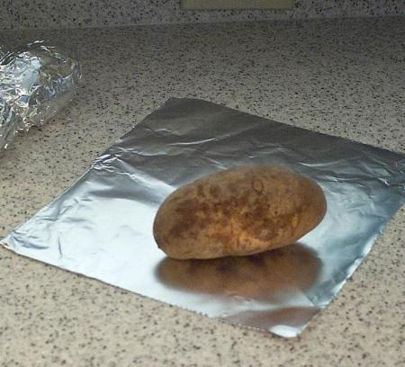 Baked potatoes in foil - A morgueFile Free Photo