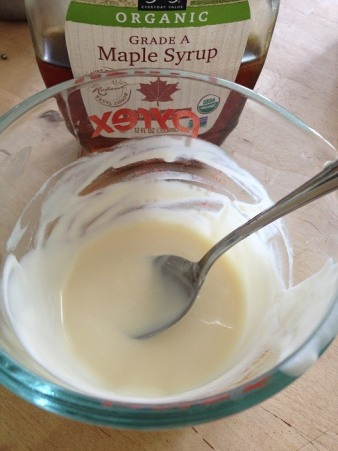 Mix 1 tablespoon plain yogurt with 1/2 teaspoon maple syrup per serving