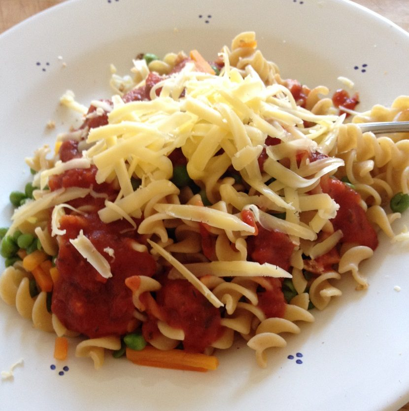 5-minute pasta supper with veggies and cheddar cheese