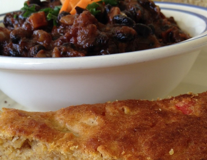 Mexicali cornbread with black bean chili